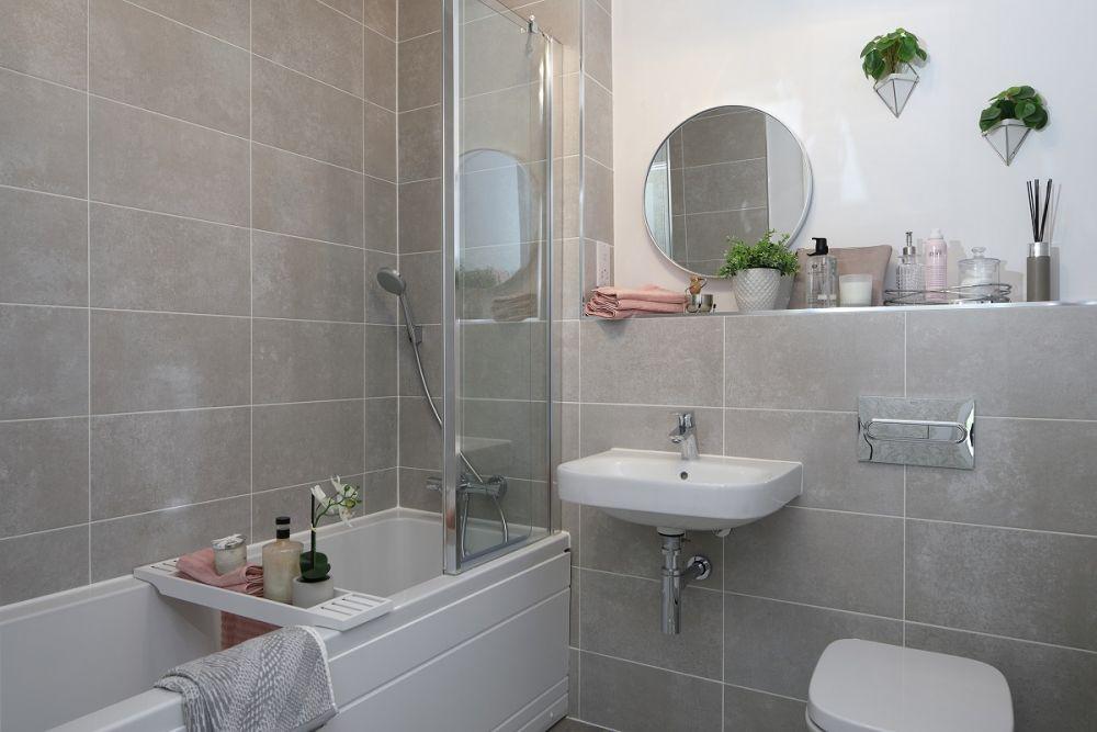 Woodlands Park - Lotus House Bathroom
