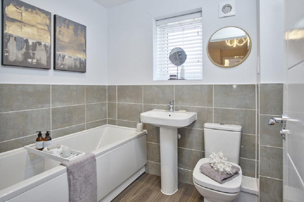 The Hatfield - Nineacres - Bathroom 1200 x 800